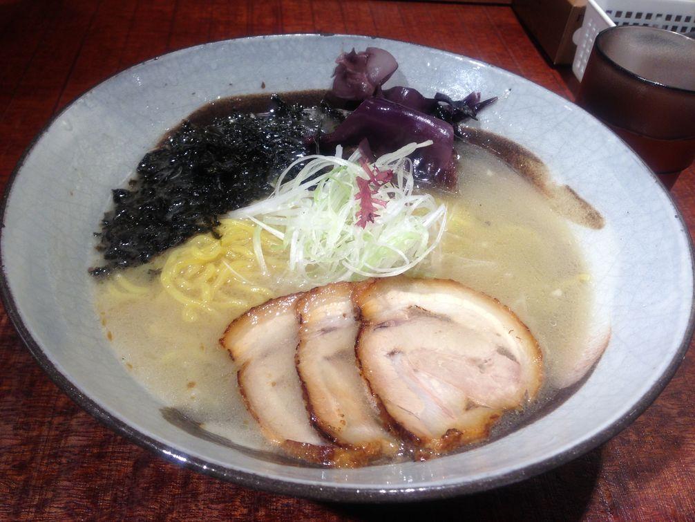 札幌中心部にあるラーメン『炎神』で海薫る炎の潮ラーメン食べてきた!