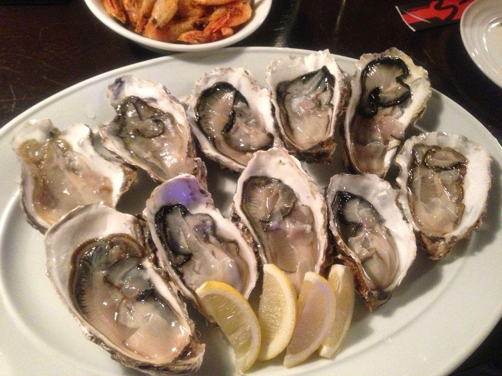 札幌牡蠣好き必見!オイスターバー『es』で生牡蠣1つ50円~100円で食べれる技を紹介!