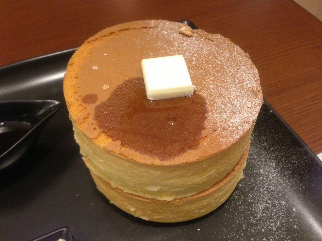 札幌・大通り『イシヤカフェ』の極厚パンケーキは友達と分けて食べるのがお勧め!