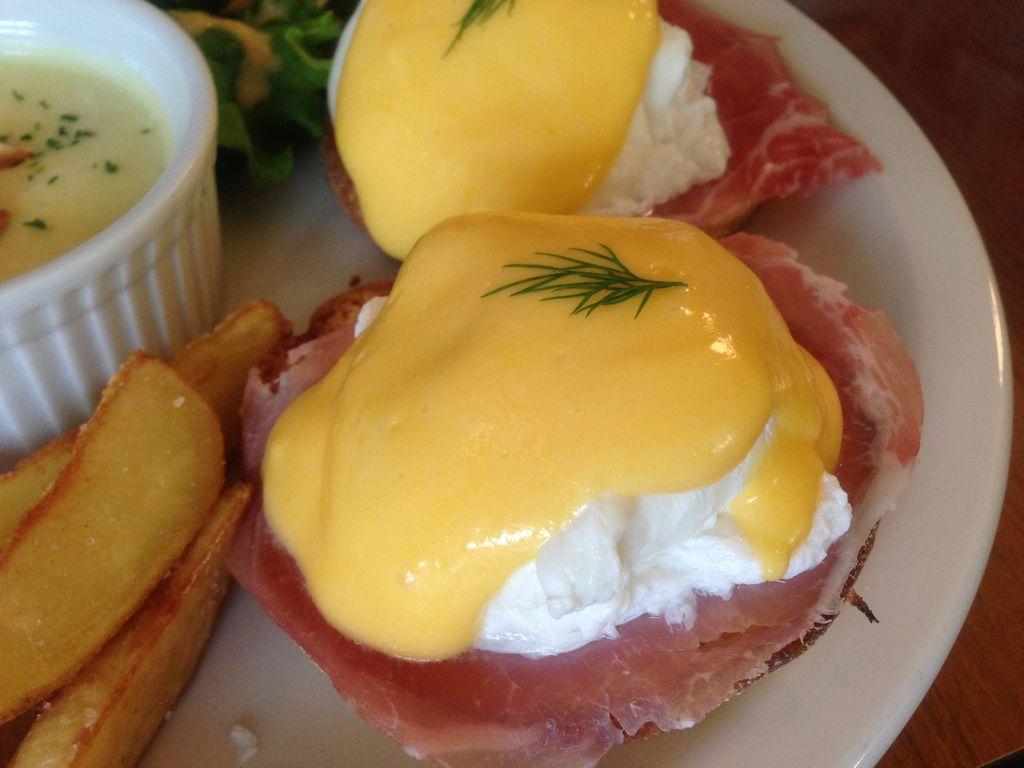 札幌人気カフェ『ジェットセット』でこれぞカフェ飯!エッグベネディクトを楽しもう