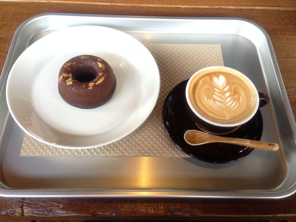 カフェ森彦『ディーバイエム(DxM)』のドーナッツと珈琲の相性が最高に美味しいのでレポート!
