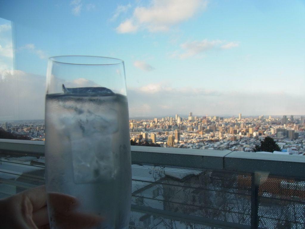 札幌超絶景『ハイグロウンカフェ』は大人の贅沢空間で爽快だった!