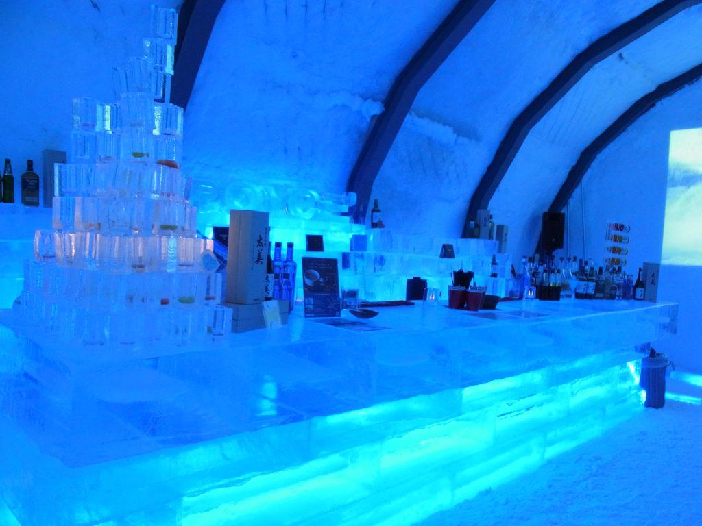 北海道当別で極寒体験『アイスヒルズホテル』幻想的でとっても綺麗な氷のお家をレポート!