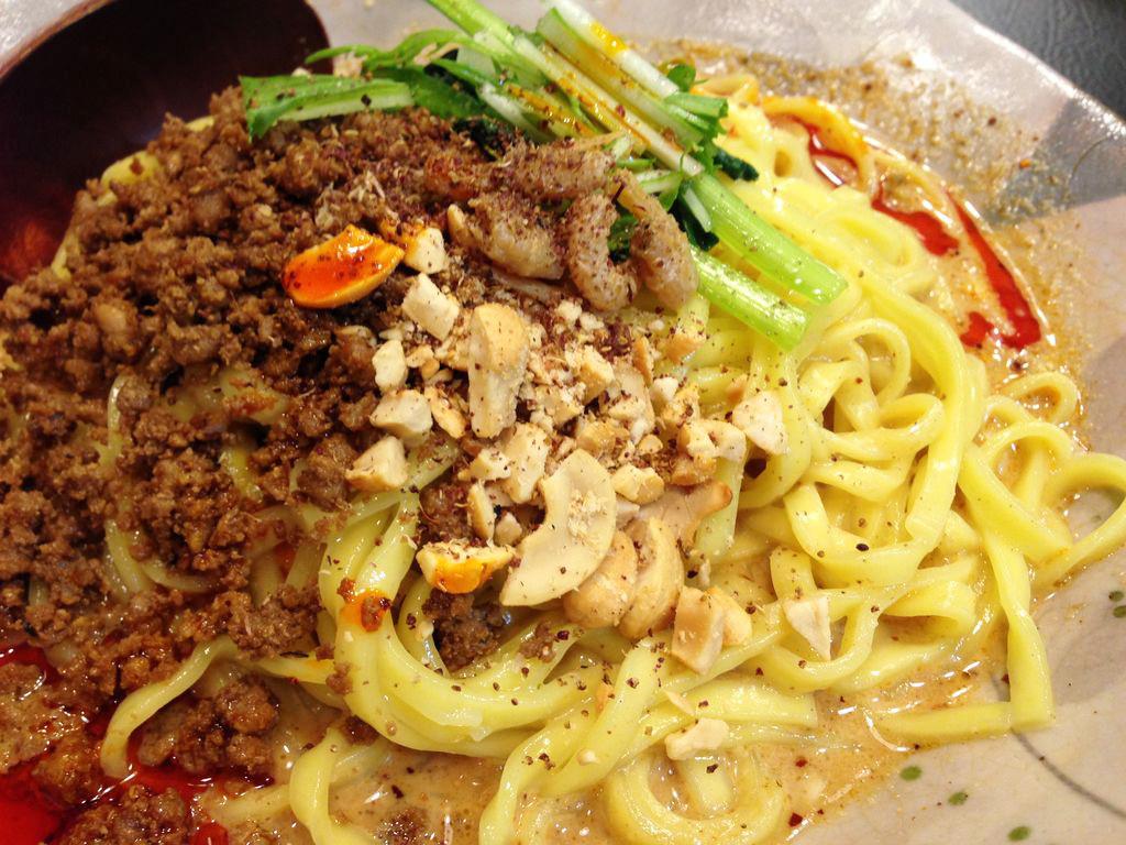札幌・担々麺専門店『175°DENO ~担担麺~』でビリビリ痺れる美味しさの汁なし担々麺を紹介!