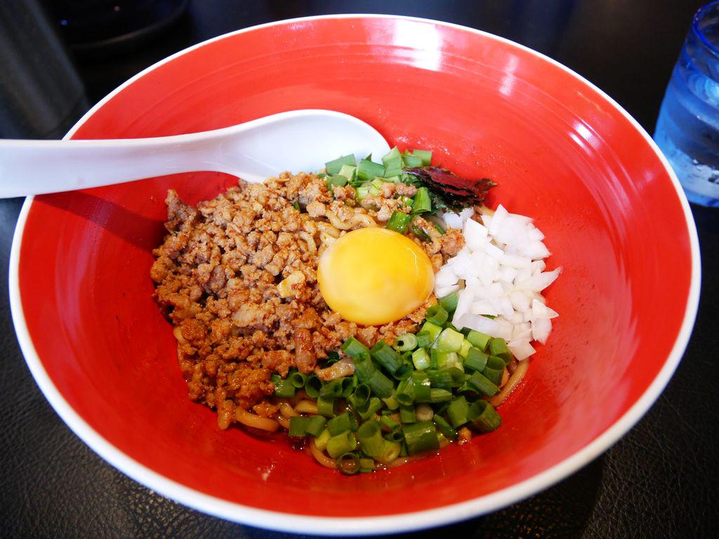 札幌・平岸『麺eiji 平岸ベース』でピリ辛美味しい「台湾まぜそば」を初体験!